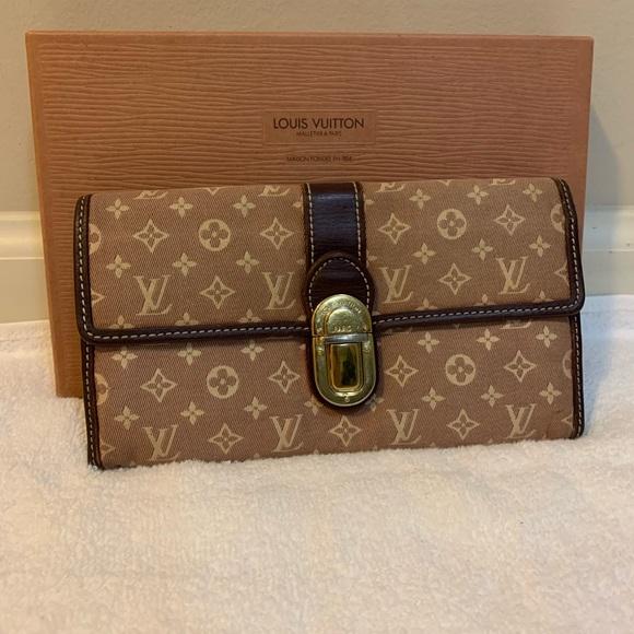 Louis Vuitton Handbags - Authentic Louis Vuitton Mini Lin Long wallet